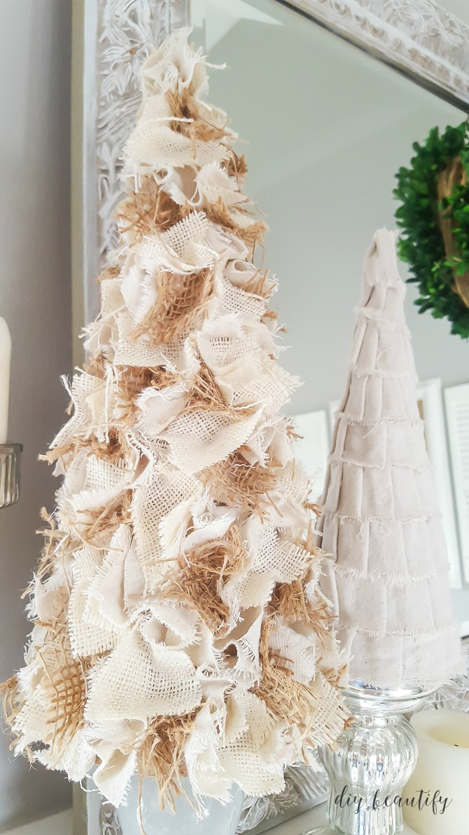 burlap christmas tree source - Burlap Christmas