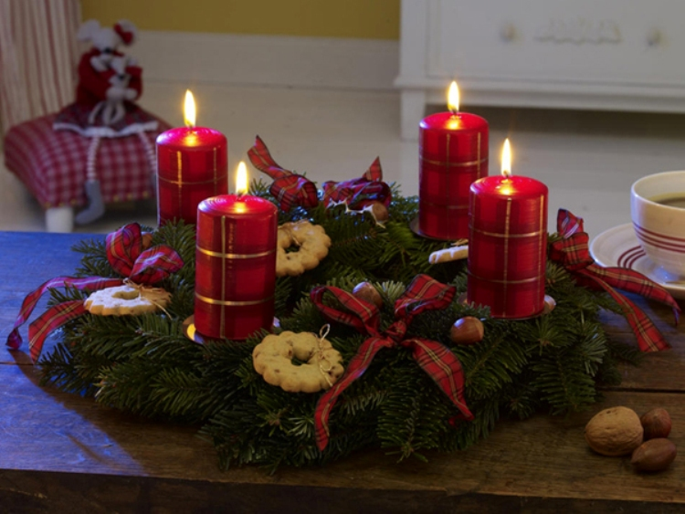 colorful christmas decorations - Christmas Candle Decorations