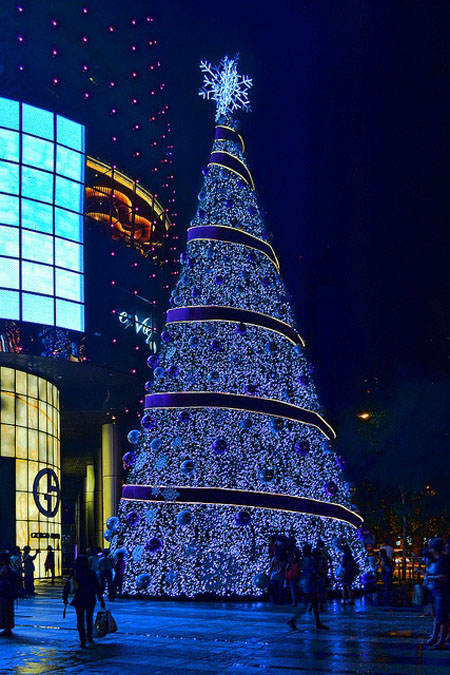 Christmas Light Tree Tower