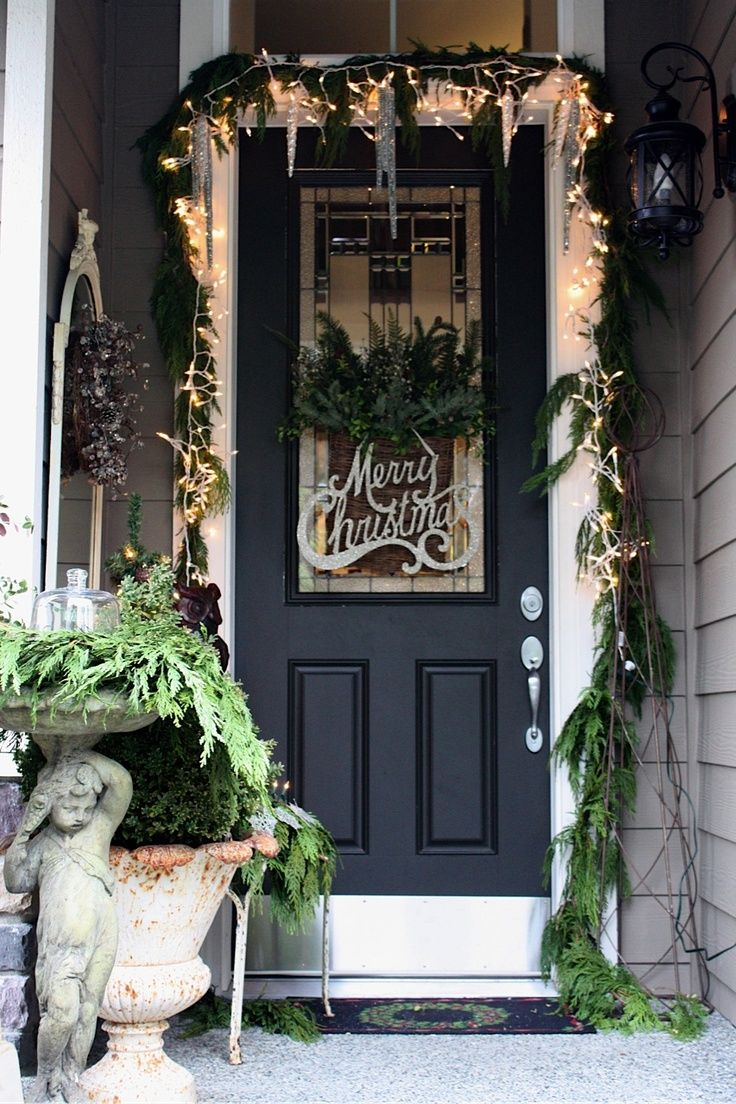source - Front Door Entrance Christmas Decoration