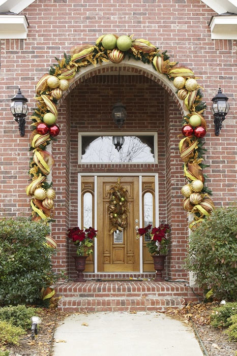 Christmas Decorations For Neighborhood Entrances : Top christmas door decoration ideas from