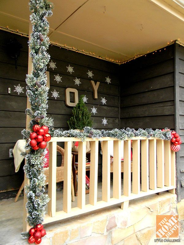 source - Outdoor Porch Christmas Decorations