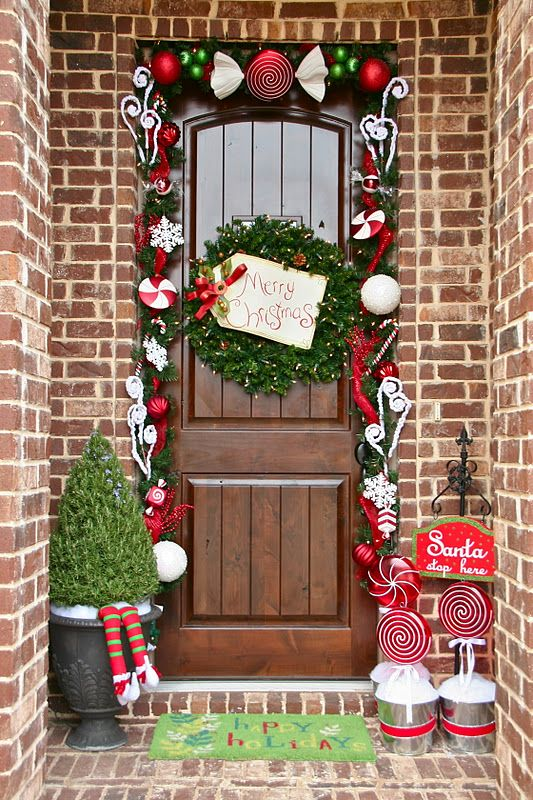 source - Front Door Christmas Decorations Ideas