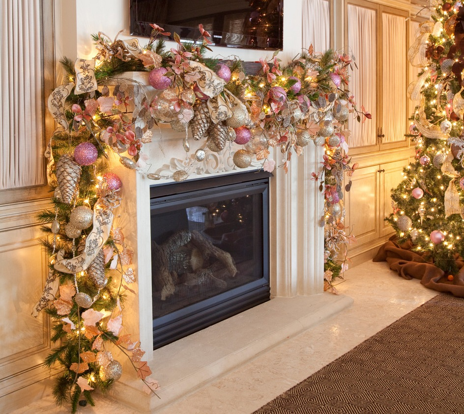 mantel decorated with ornaments source - Mantels Decorated For Christmas