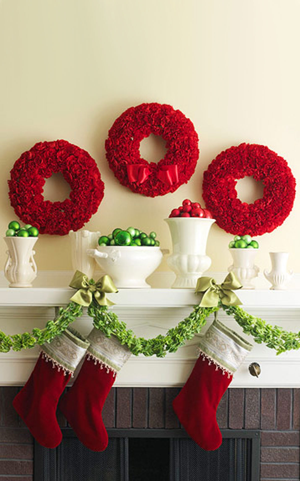 34 red wreaths atop the mantel christmas celebration all about 34 red wreaths atop the mantel solutioingenieria Choice Image