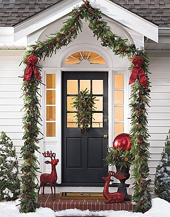 source source red and white door decoration - Pinterest Christmas Door Decorations