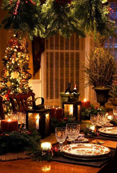 Most popular indoor christmas decorations on pinterest for Christmas dining room table decorations