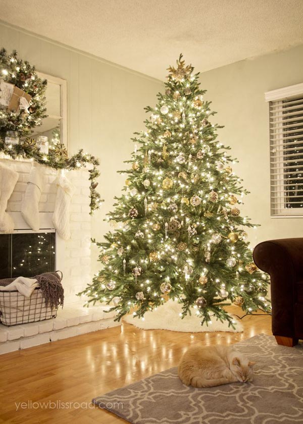 rustic-christmas-tree-decor