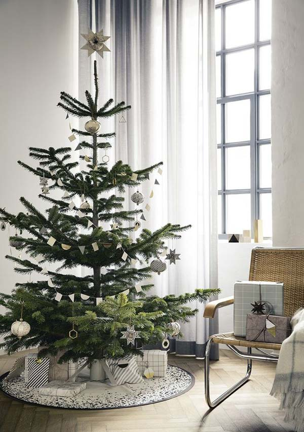 scandinavian christmas decorating ideas 27 - Nordic Christmas Tree Decorations