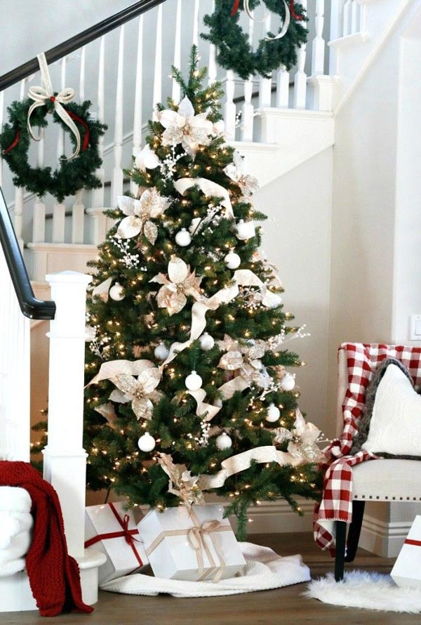 white-red-christmas-tree