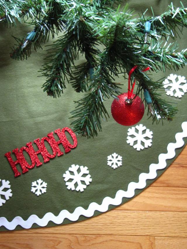 Top 25 DIY Christmas Tree Skirts - Christmas Celebrations