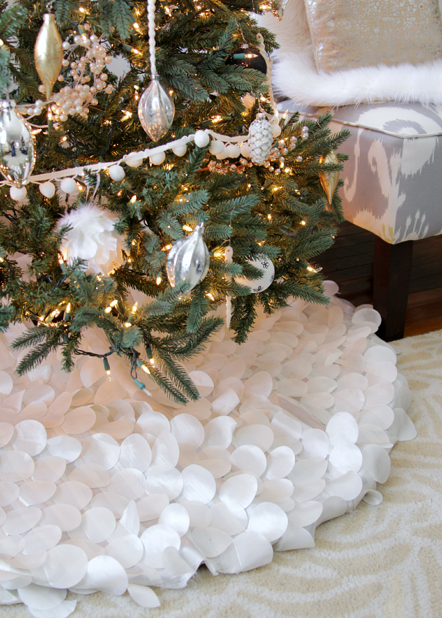 Frilly Christmas Tree Skirt Source