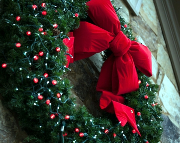 top christmas light ideas indoor. Take A Greenery Wreath And Wrap Red String Lights Around It. Ensure That The Mini Are In Color. Decorate It With Bow! Top Christmas Light Ideas Indoor