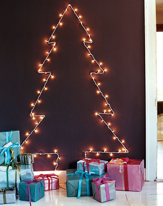 Top 40 stunning indoor christmas light decoration ideas christmas string light tree source aloadofball Image collections