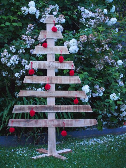 minimalist decoration outdoor christmas tree 29