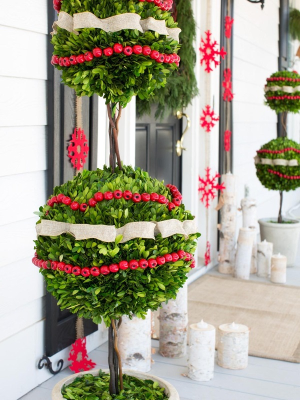 gorgeous outdoor christmas tree decor - Outdoor Christmas Tree Decorations