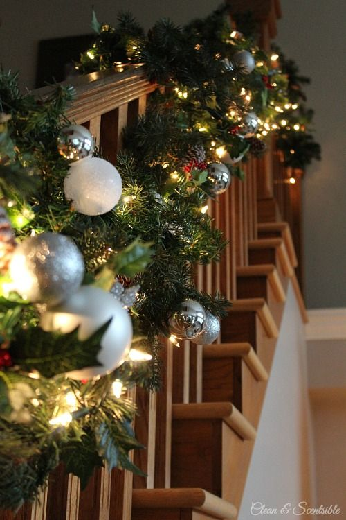 40 Gorgeous Christmas Banister Decorating Ideas - Christmas ...