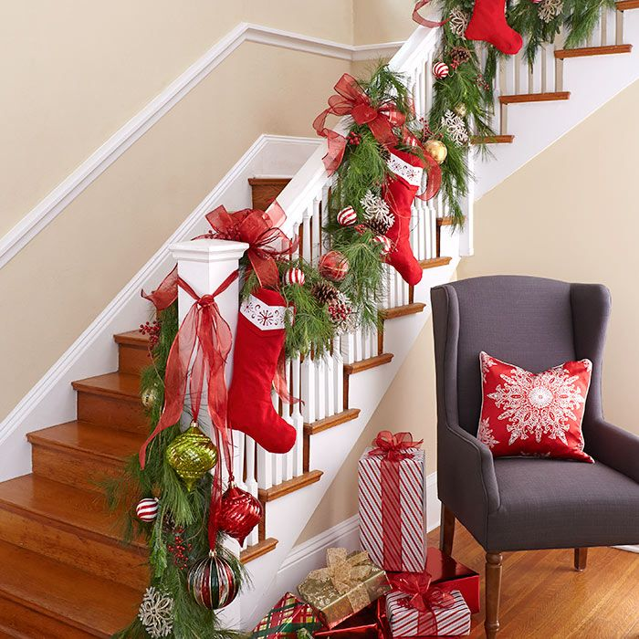 Source & 40 Gorgeous Christmas Banister Decorating Ideas - Christmas ...
