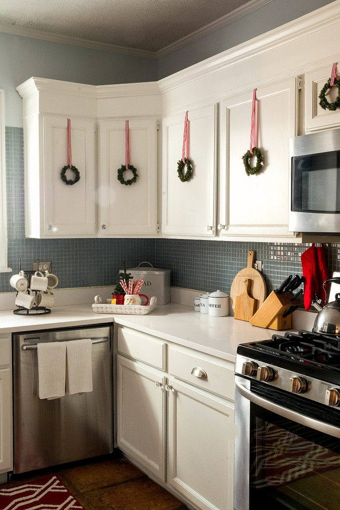 How To Hang Wreaths On Kitchen Cabinets