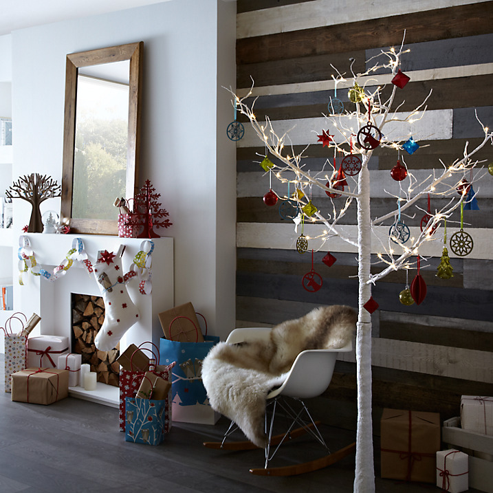Twig Christmas Tree With Metallic Ornament: Source - Top 40 Christmas Decoration Made With Twigs And Branches - Christmas
