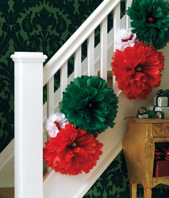 Top 40 fun and festive red and green christmas decoration for Decoracion 20 de noviembre