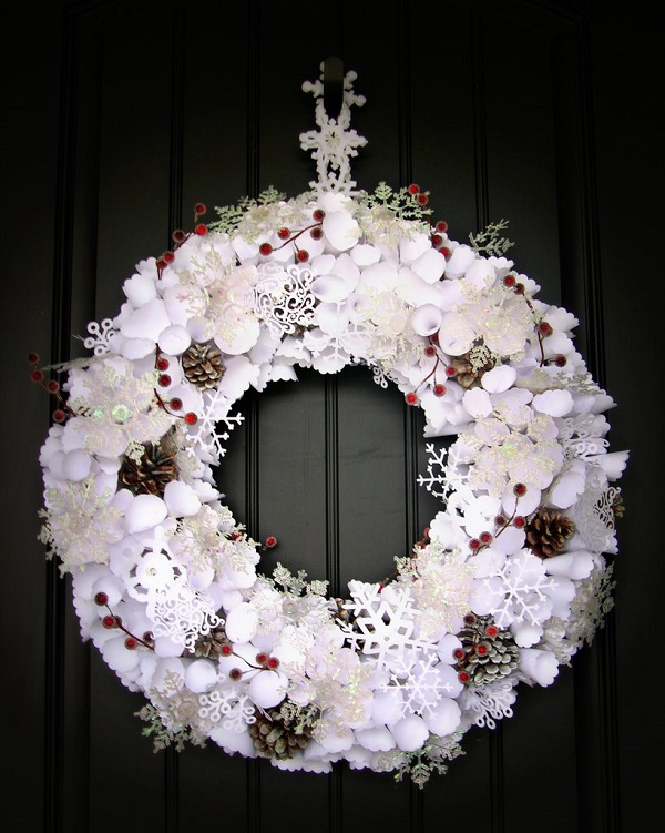 paper wreaths 27 - Lighted Outdoor Christmas Wreaths