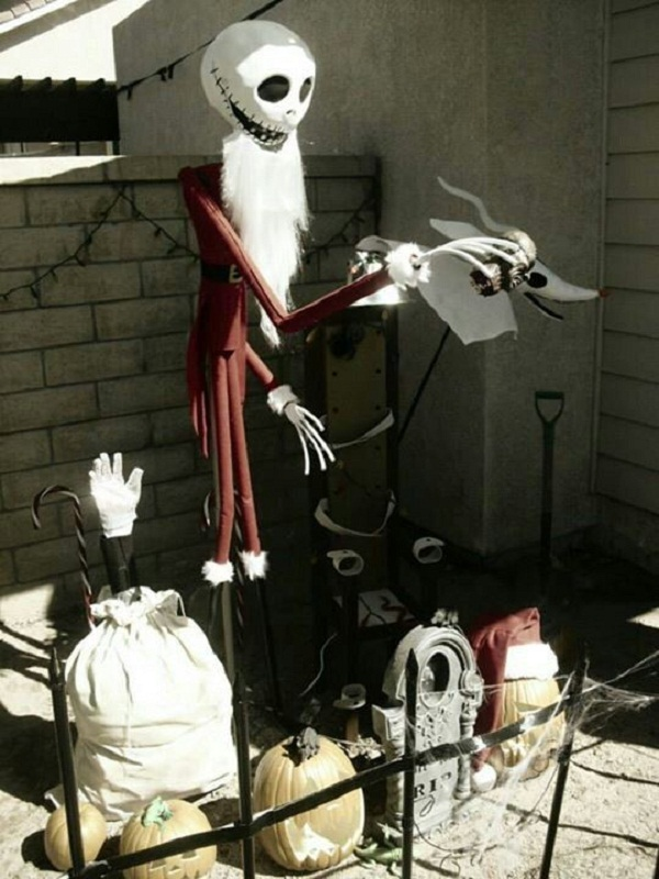 nightmare before christmas decoration in the outdoors source - Nightmare Before Christmas Inflatable Lawn Decorations