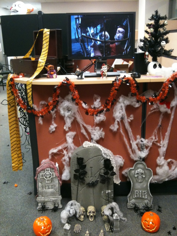 nightmare before christmas decor for the office source source what do you think about this decoration isnt it too much to invoke the horror - The Nightmare Before Christmas Decorations
