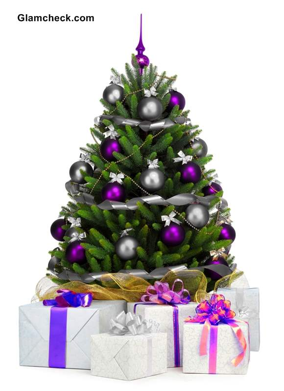 silver and purple decorations source - Small Christmas Tree Decorating Ideas