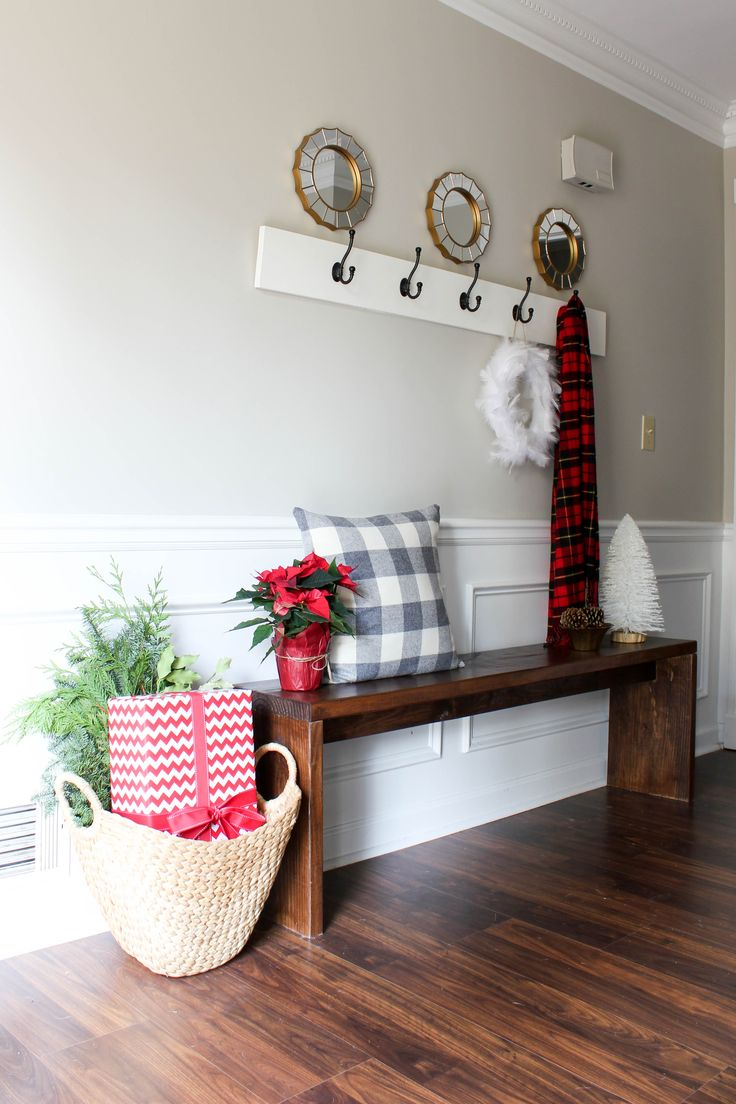 Top 40 Christmas Entryway Decoration Ideas