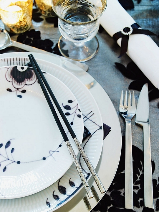 black and white cutlery source