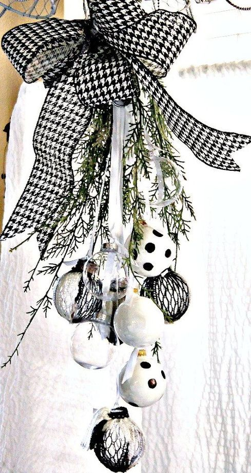 Top 40 Charming Black And White Christmas Decoration Ideas ...
