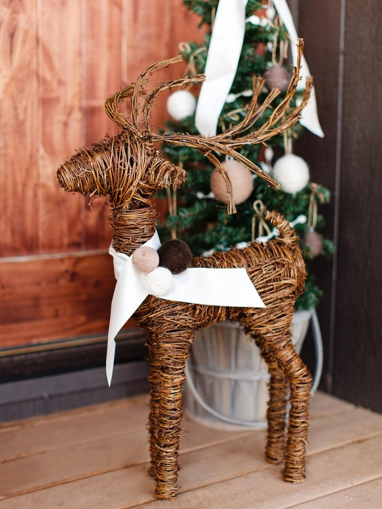 Top 30 Cute Deer Decoration Ideas For Christmas Christmas Celebration All About Christmas