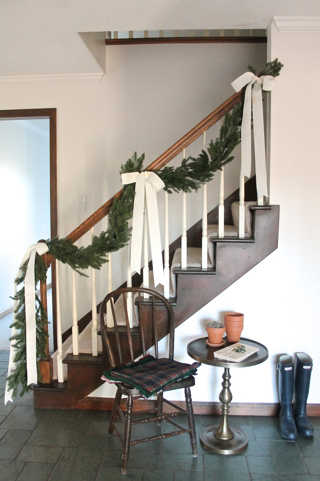 christmas garlands 1 - Banister Christmas Garland Decor