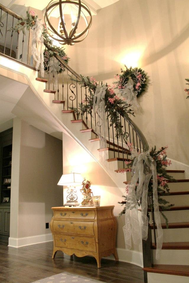 Source & Top Christmas Staircase Garland - Christmas Celebration - All about ...