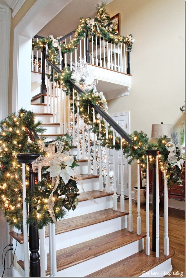 top christmas staircase garland christmas celebration all about christmas. Black Bedroom Furniture Sets. Home Design Ideas