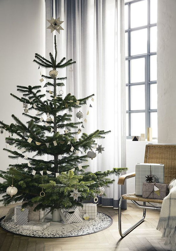 amazing minimalist tree decor source - Minimalist Christmas Decor