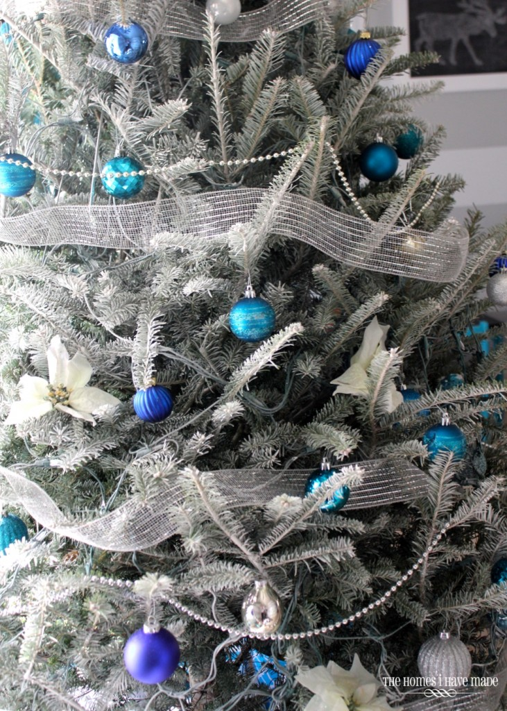 blue and silver christmas tree source - Frosty Blue Christmas Decorations