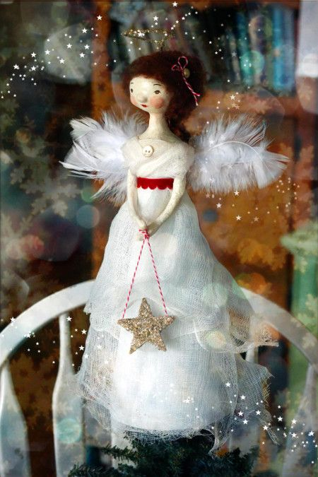 Top 40 creative christmas tree toppers christmas for Angel christmas tree decoration