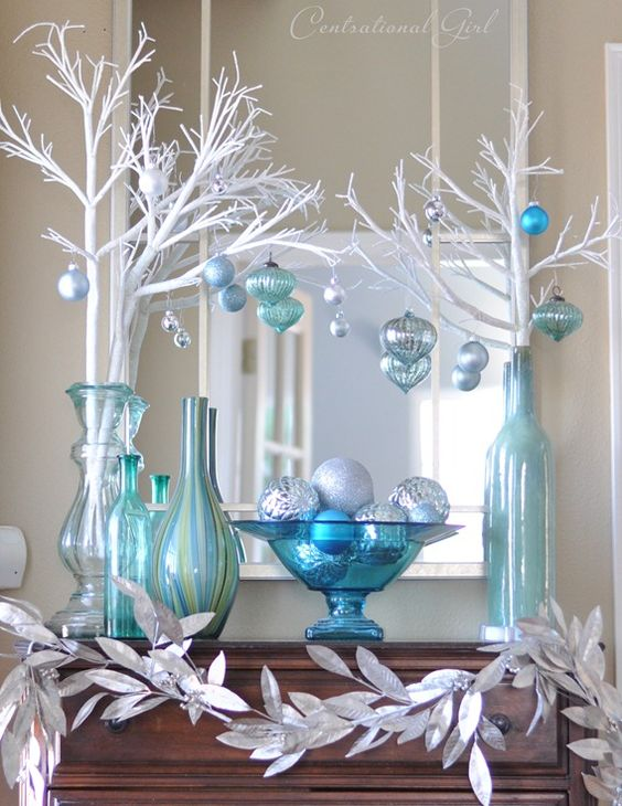 source - Blue And White Christmas Decorations