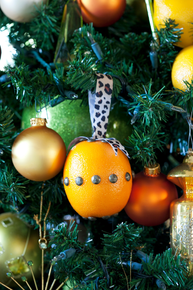 orange ornament image source - Orange Coloured Christmas Tree Decorations