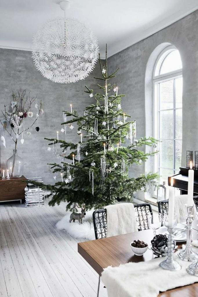 Grey And Gold Christmas Decor  2 Grey Walls 683x1024