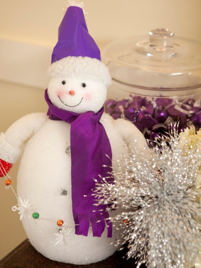 source - Purple Christmas Decorations