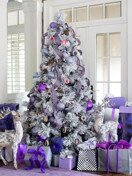 source - Purple And Silver Christmas Tree Decorations