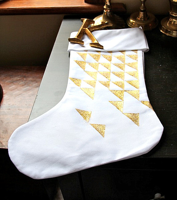 source - Christmas Stocking Decorating Ideas