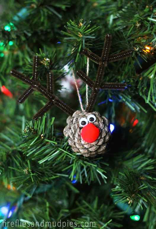 pinecone reindeer ornament source - Pine Cone Christmas Tree Decorations