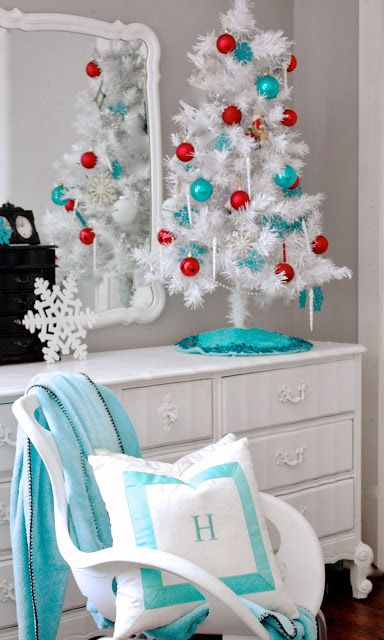 source - Teal And Red Christmas Decorations