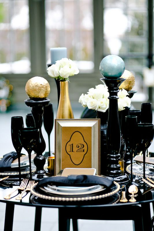 Black And Gold Table Setting Source & Top 40 Elegant Black And Gold Christmas Decoration Ideas ...