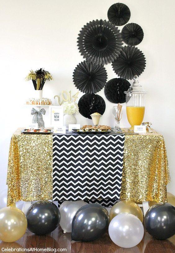 Top 40 Elegant Black And Gold Christmas Decoration Ideas