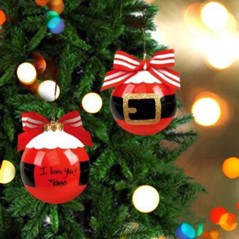 image source - Santa Decorated Christmas Tree